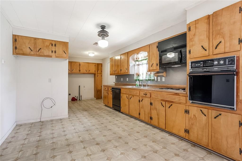 818 TELLY Road-5