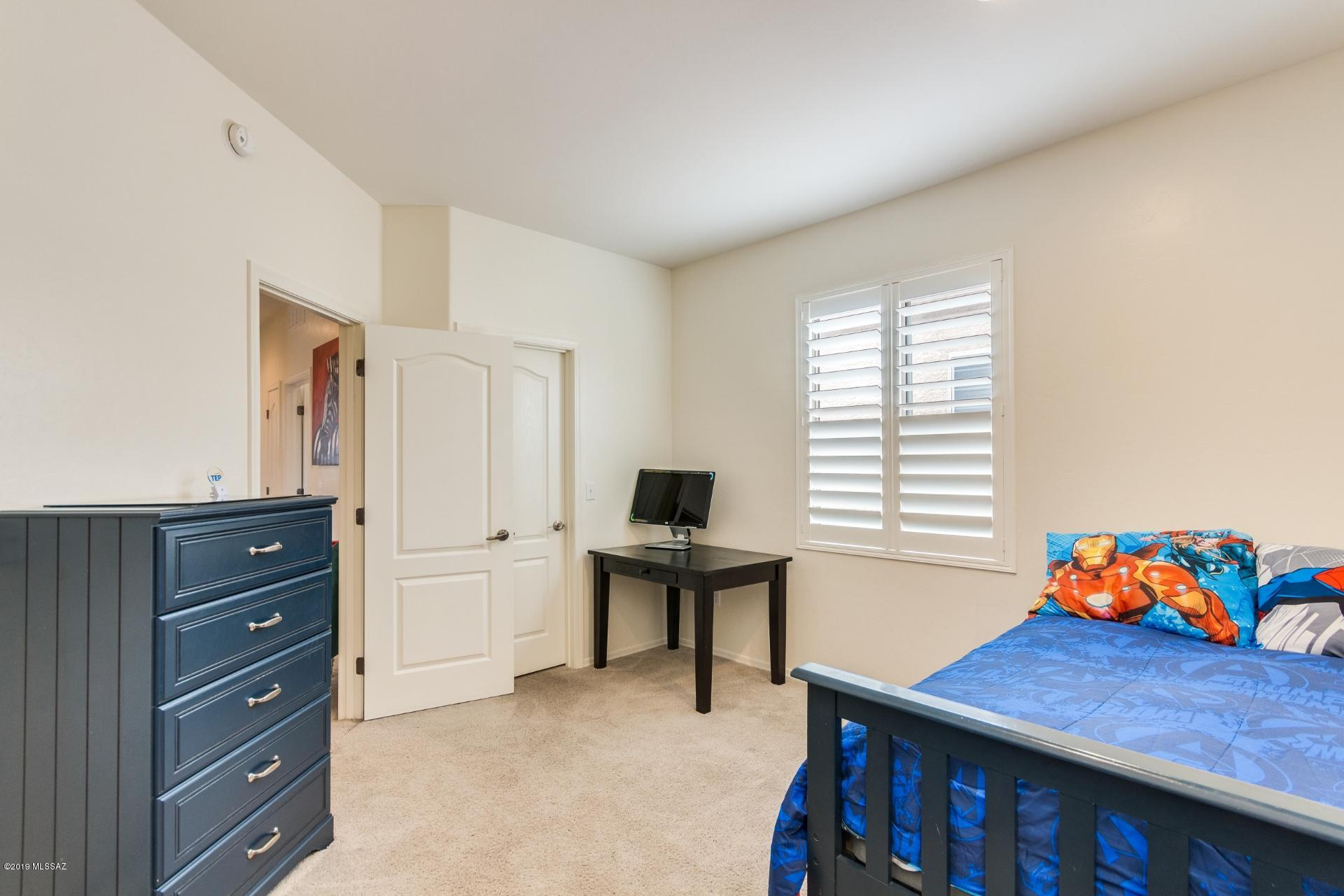 2256 W Floral Cliff Way-15